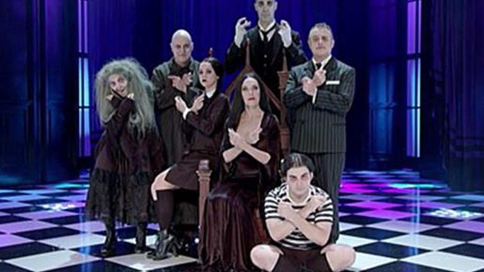 L'andorrana Meritxell Duró dona vida a la bruixa en el musical de la 'Família Addams'.