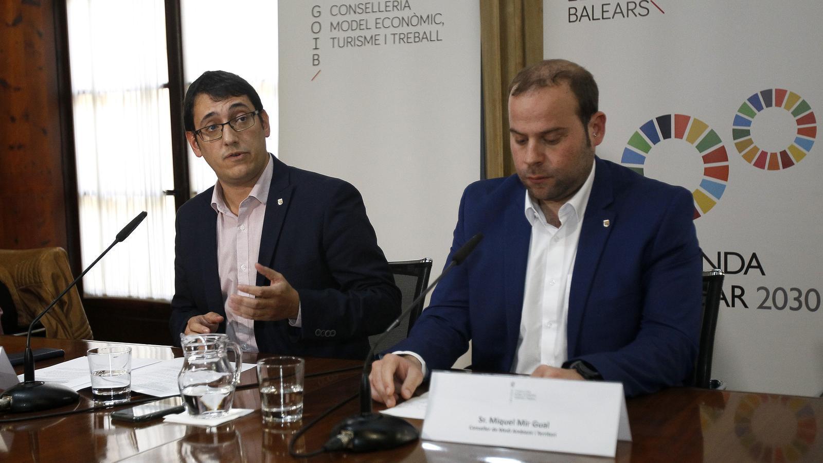 Iago Negueruela i Miquel Mir durant la roda de premsa