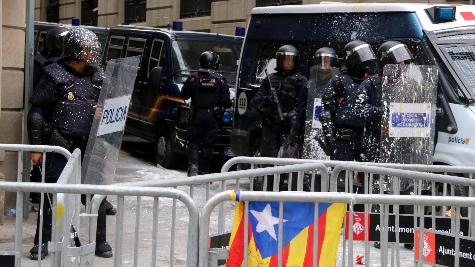 Barcelona pressiona el govern espanyol per tancar la comissaria de Via Laietana