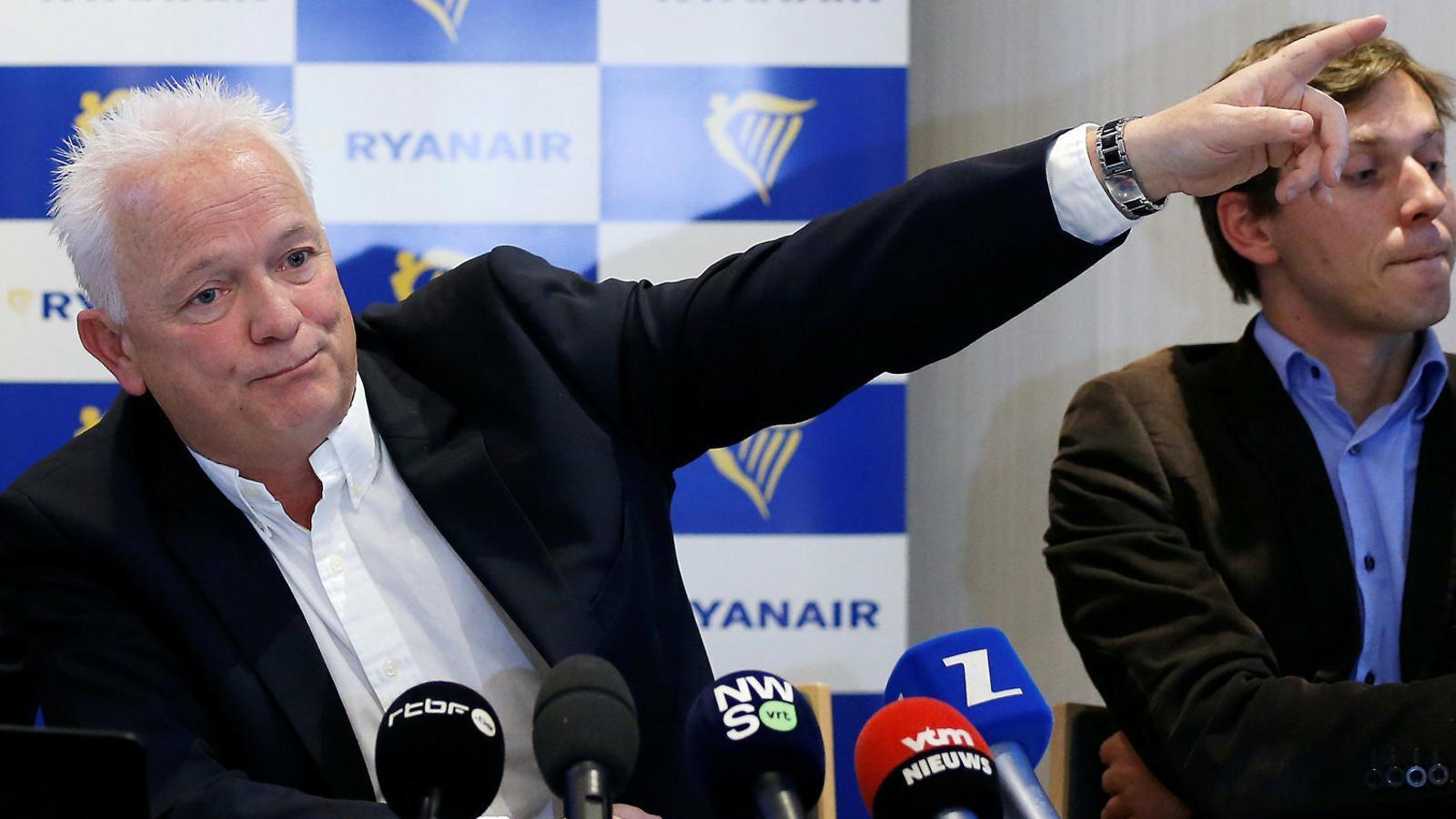 Ryanair nomena nou conseller delegat, que amenaça els vaguistes