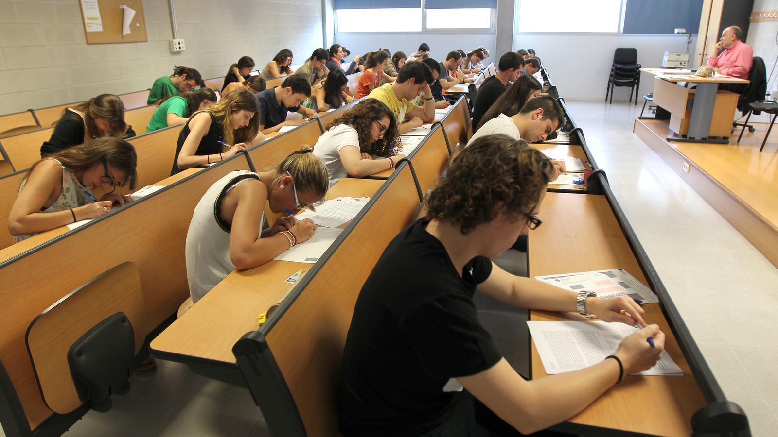 Aquest 2017 han superat les proves de selectivitat 3.051 alumnes dels 3.306 que s'hi han presentat
