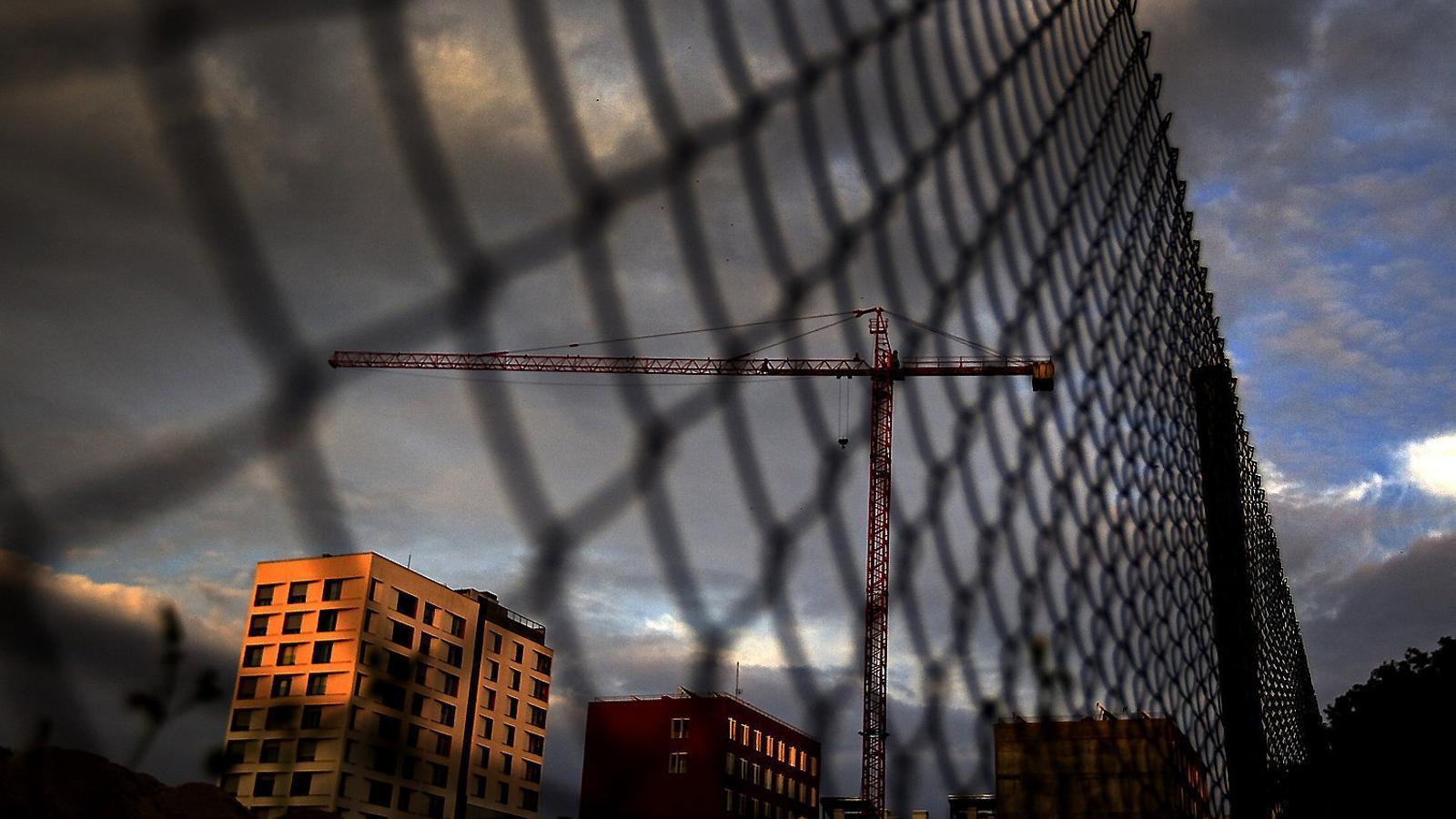 Una promoció immobiliària en construcció a la ciutat de Barcelona.