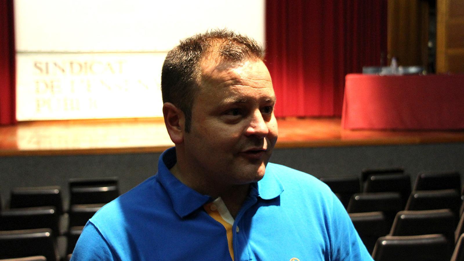 El secretari general del SEP, David Garcia, moments després que acabés l'assemblea ordinària del sindicat. / M. F.