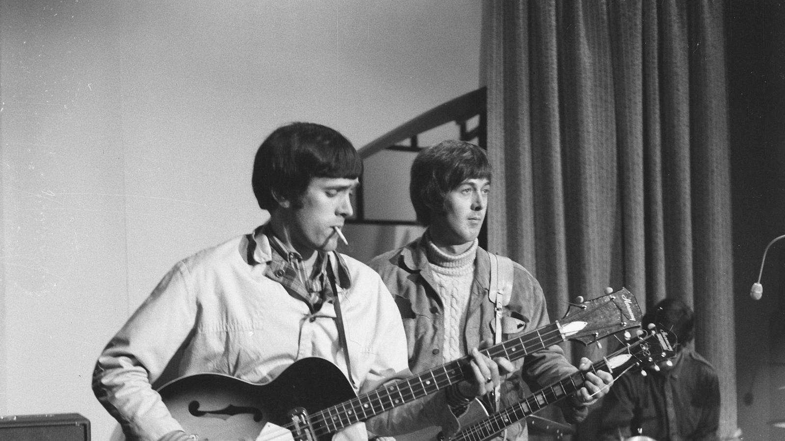 Spencer Davis a la guitarra i Muff Winwood al baix