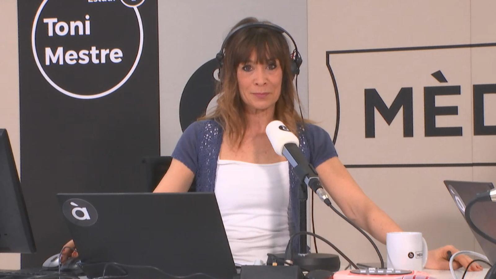 La conductora de 'Les notícies del matí', la periodista Clara Castelló
