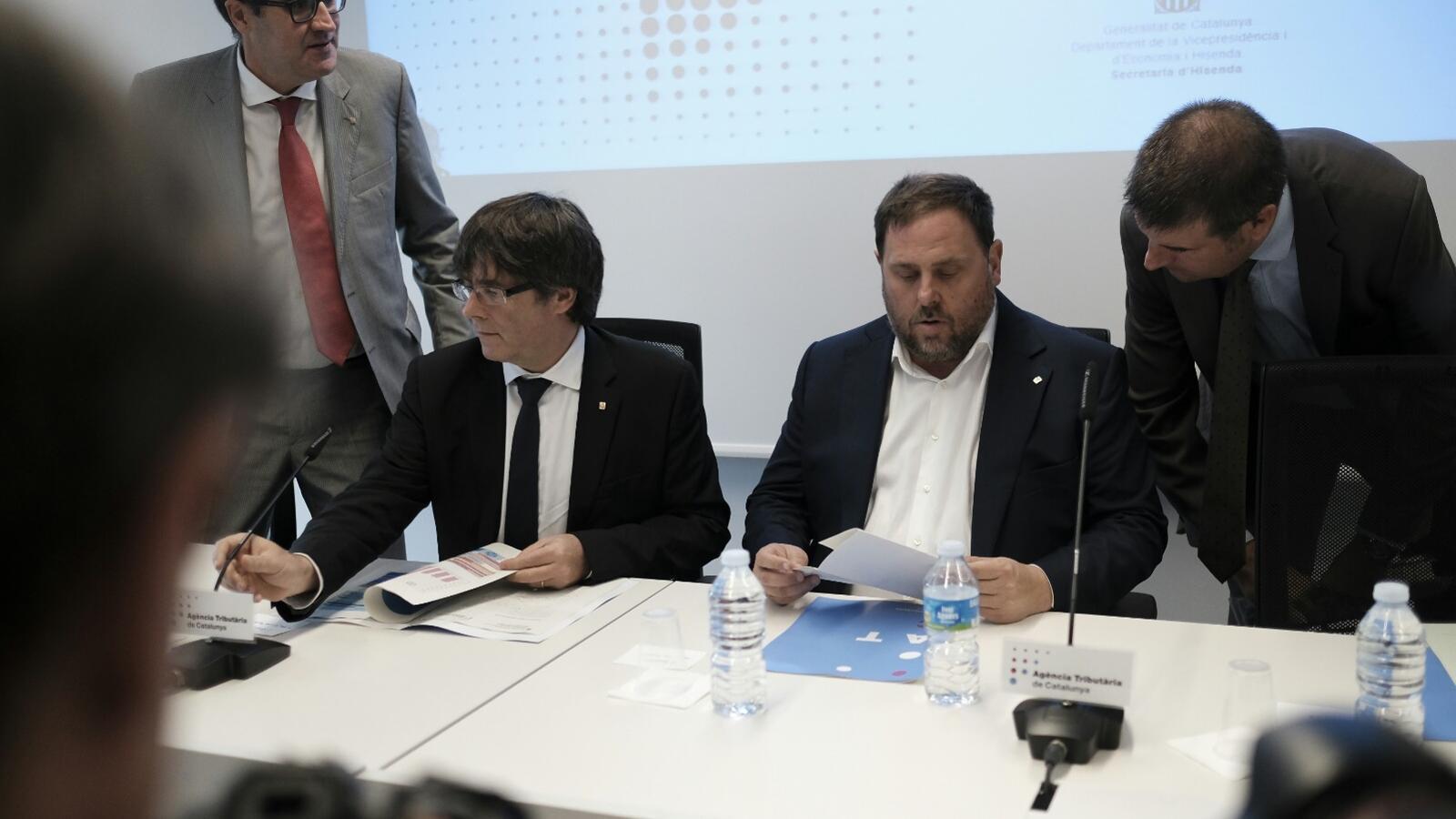 """Puigdemont diu que la Hisenda pròpia està """"preparada"""" per al que es decideixi l'1-O"""