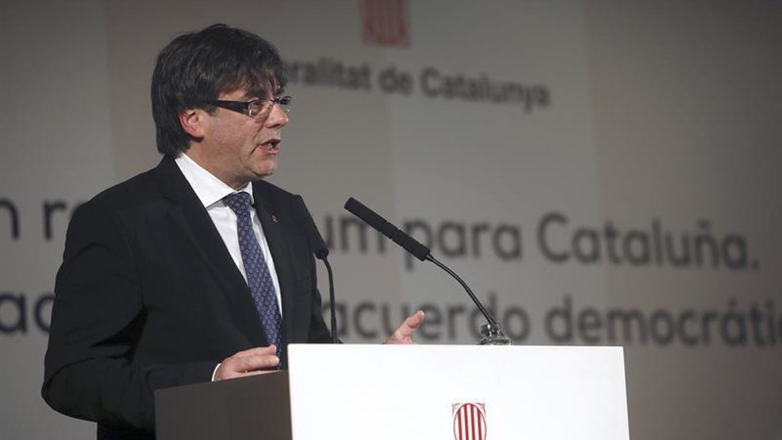 Puigdemont posa com a exemple l'actitud 'responsable' del govern de Suárez