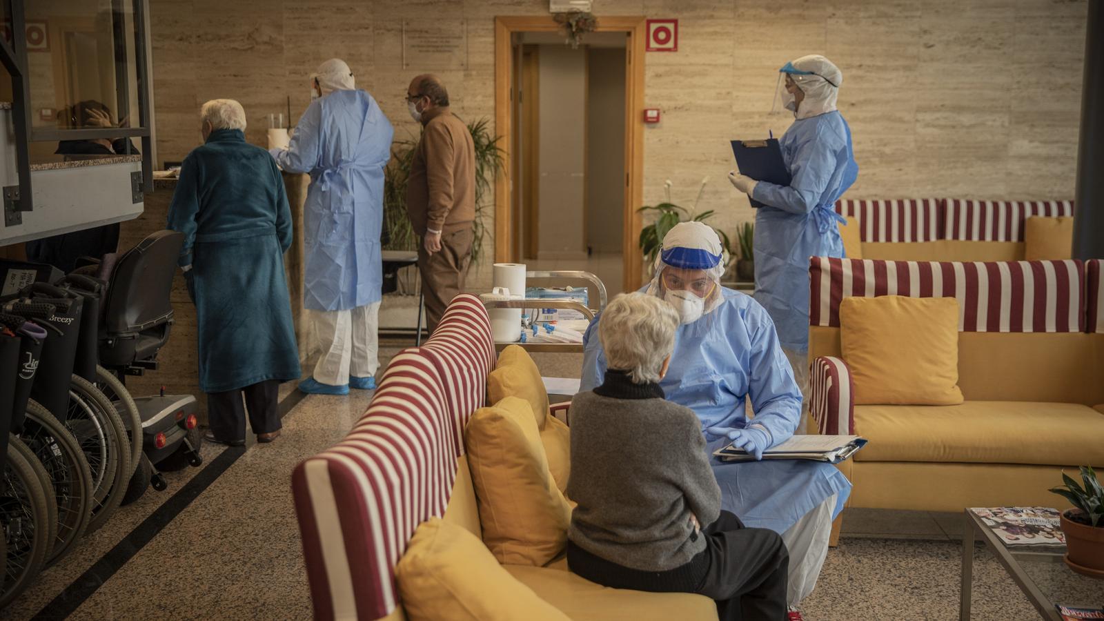 Open Arms porta a les residències d'avis la medicació en estudi per reduir els contagis