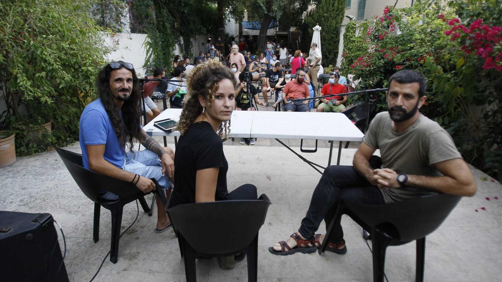 Balti Picornell, Aina Vidal i Jordi Borràs, minuts abans de començar l'acte
