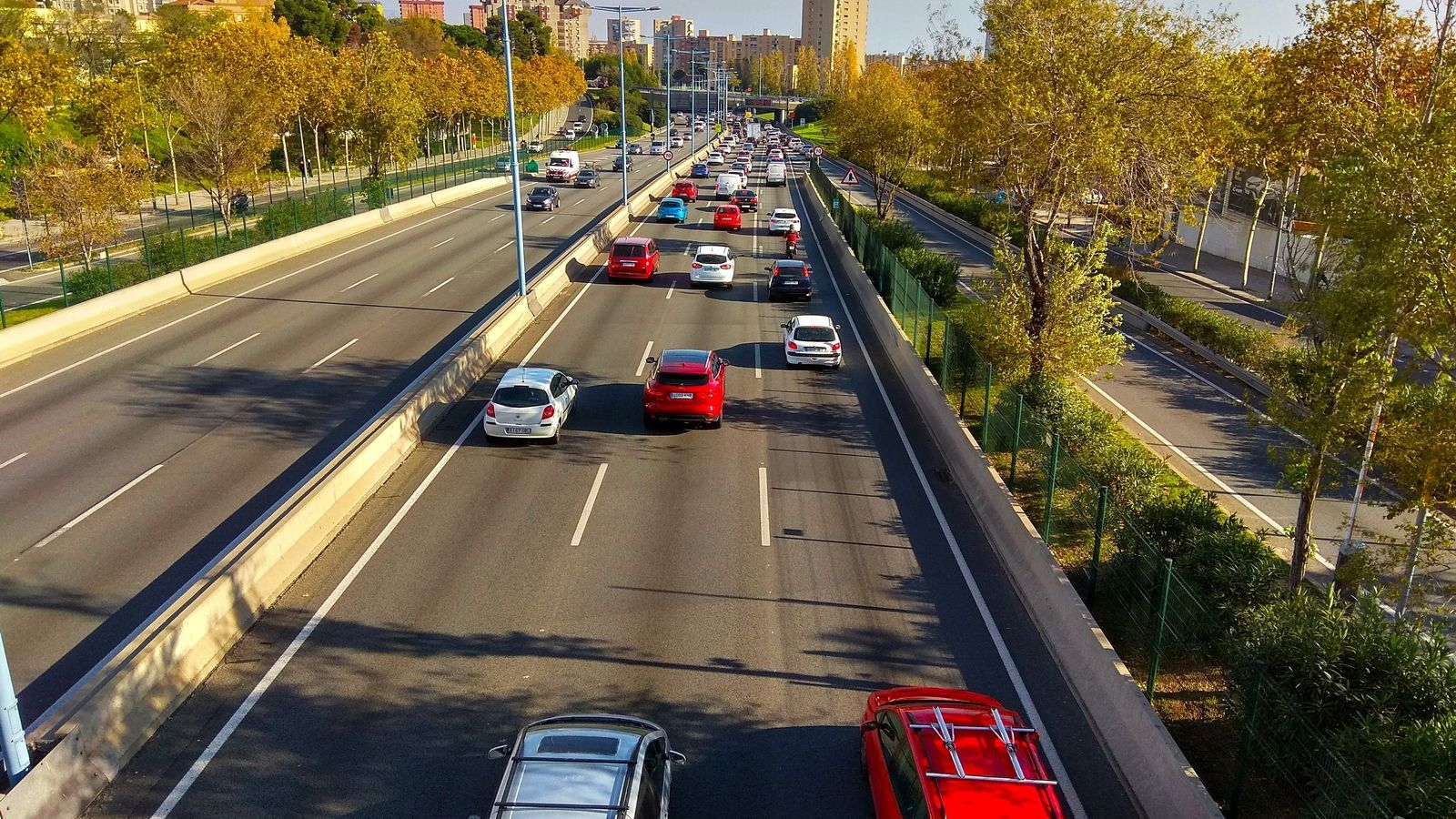 Un de cada quatre cotxes catalans no podrà circular per Barcelona a partir de l'1 de gener