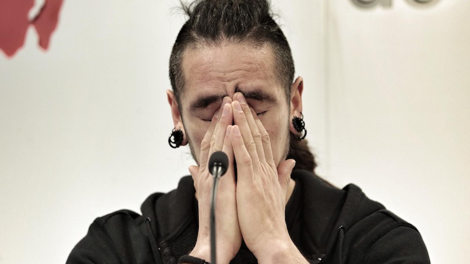 Rodrigo Lanza, emocionat, durant la roda de premsa d'aquest dimarts. / PERE VIRGILI