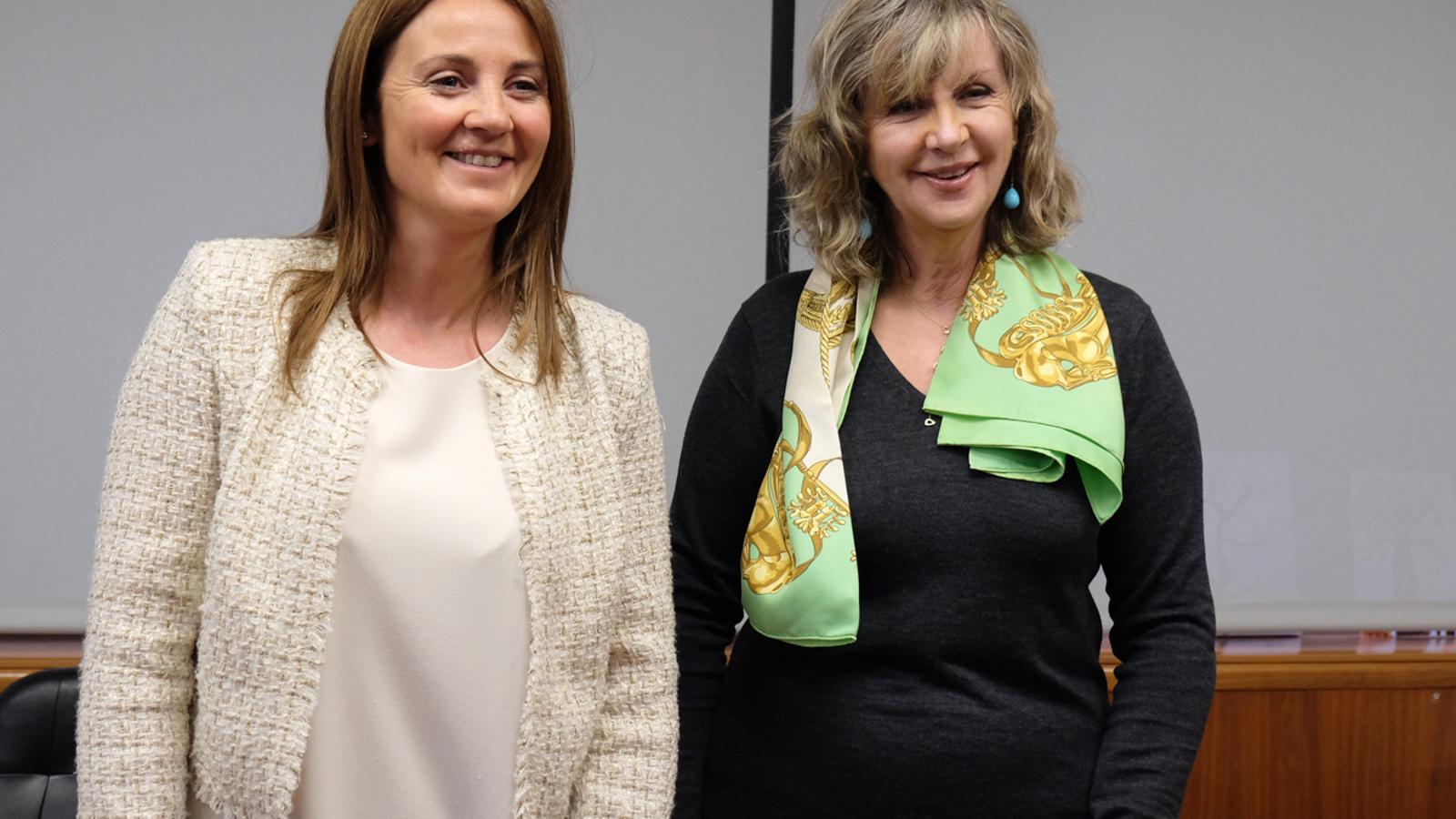 Olga Gelabert i Maria Reig han signat un conveni de col·laboració. / M. T. (ANA)