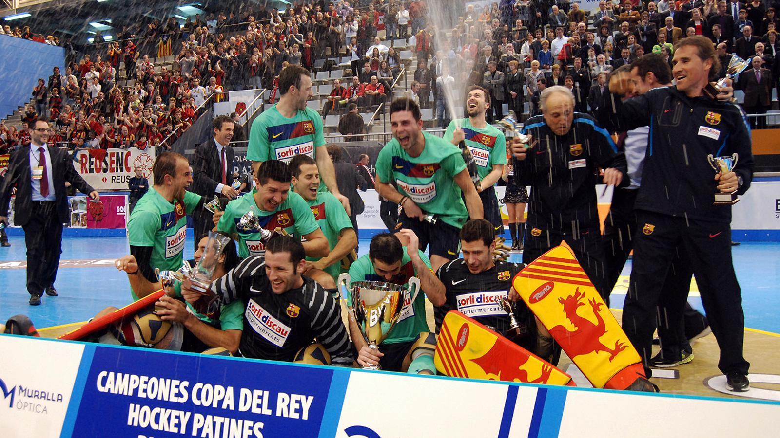 Campions quatre anys més tard La Copa del Rei se li escapava últimament al Barça d'hoquei patins. No la guanyava des del 2007. / LAIA SOLANELLAS / DELCAMP.CAT