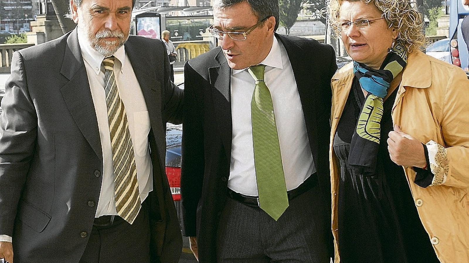 Marina Geli amb el doctor Sebastià Barranco -a l'esquerra- durant un acte de l'any 2010 amb el llavors alcalde de Lleida, Àngel Ros.