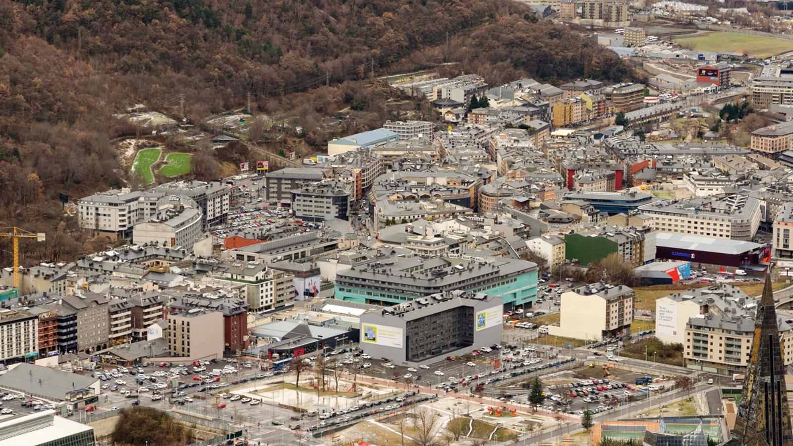 Vista aèria de la vall central, on es concentra la major part de població. / ARXIU