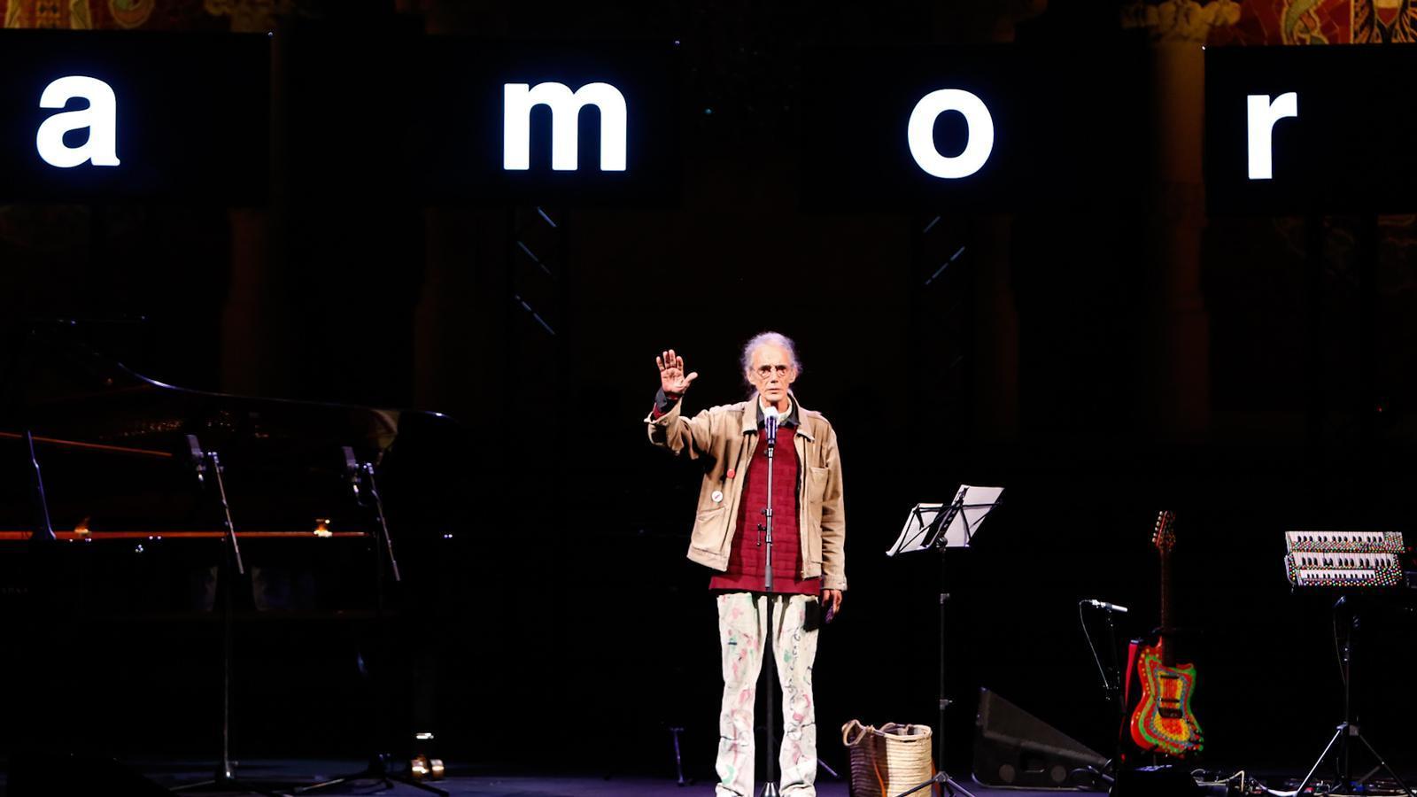 Enric Casasses rep el Premi d'Honor de les Lletres catalanes