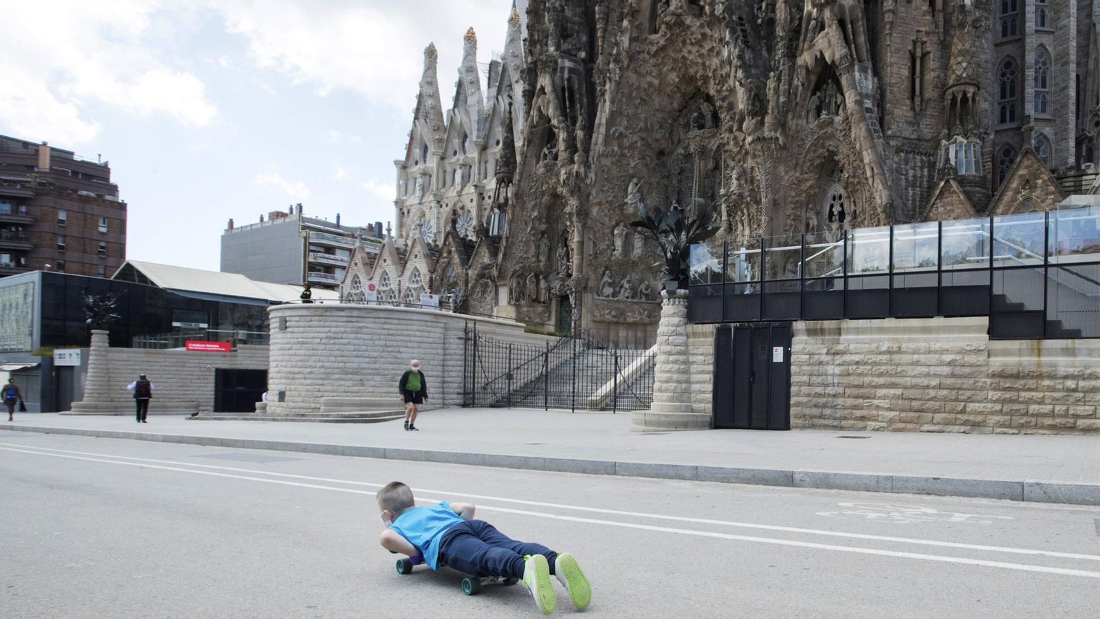 Lleida, Girona i la Catalunya Central a la fase 1, multes per aparcar la moto a la vorera a Barcelona i com desinfectar la botiga: les claus del dia, amb Antoni Bassas (14/05/2020)