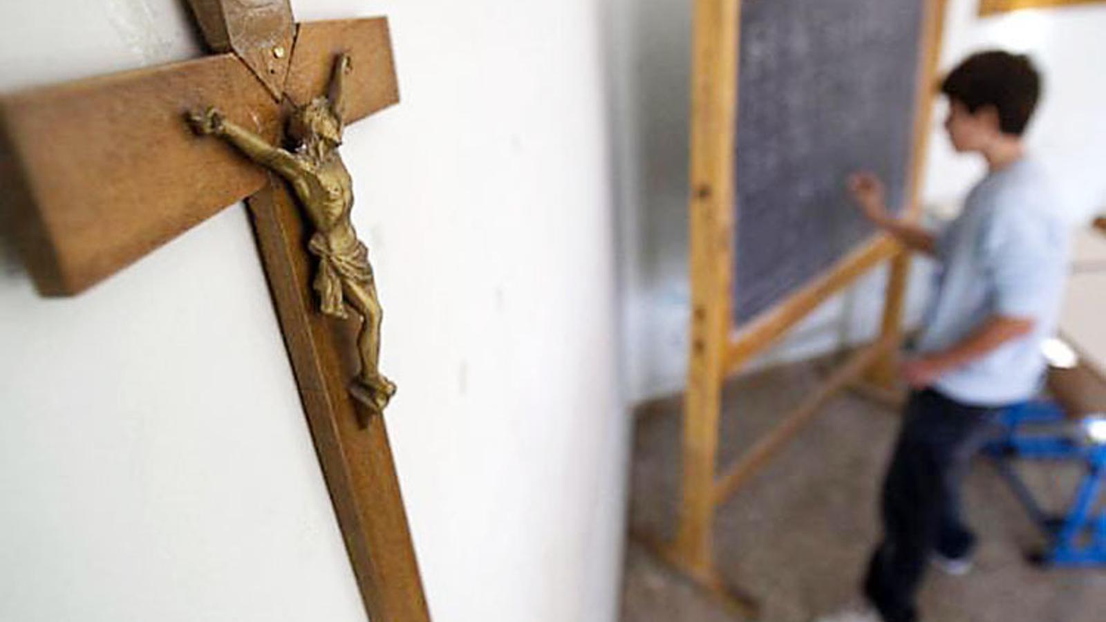Un 63 % dels enquestats es considera creient en la religió catòlica