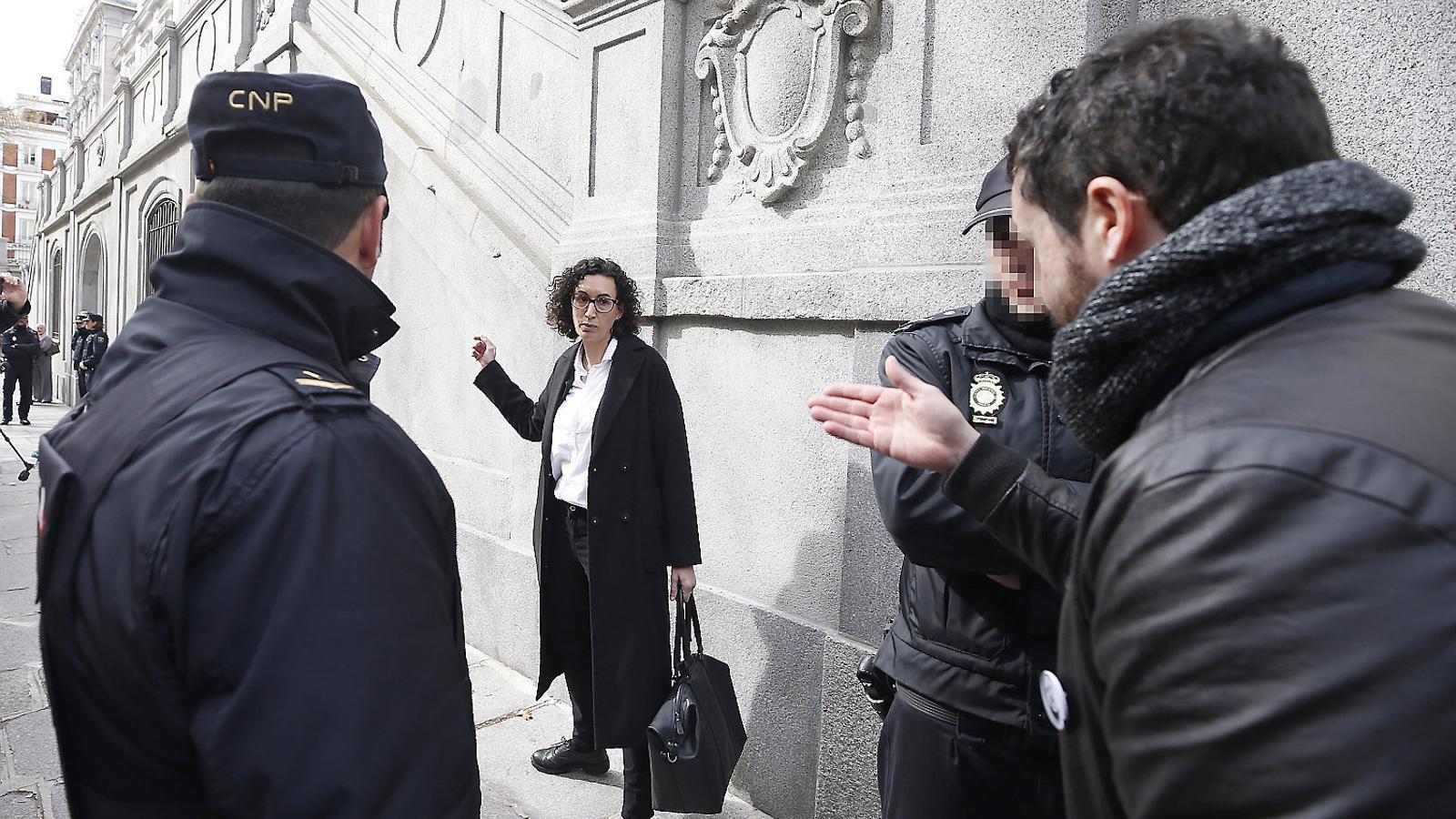 Marta Rovira marca distàncies amb Puigdemont
