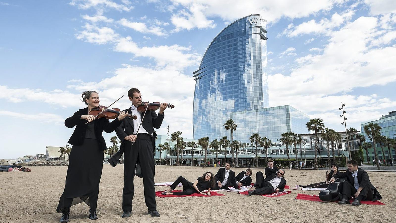Els músics de l'OBC conviden la ciutadania a un concert gratuït per celebrar el Dia  de la Música demà al vespre.