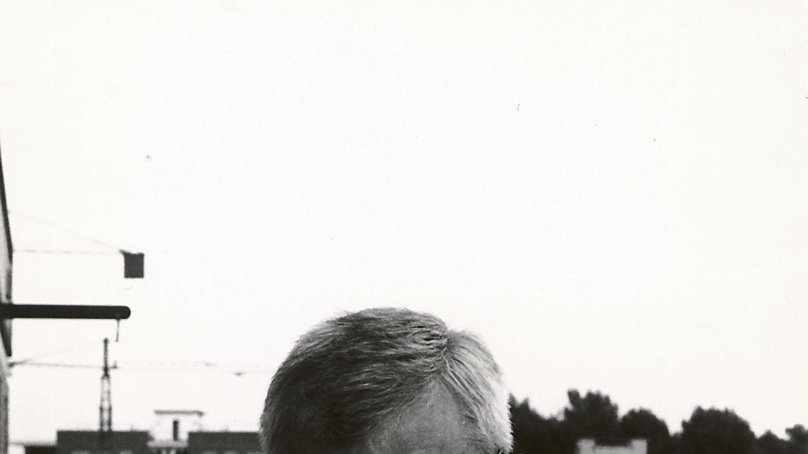 01. Gabriel Ferrater, fotografiat per Roberto Ruperto el 15 d'agost del 1969. 02. Jordi Cornudella, responsable de l'edició crítica de l'obra ferrateriana.