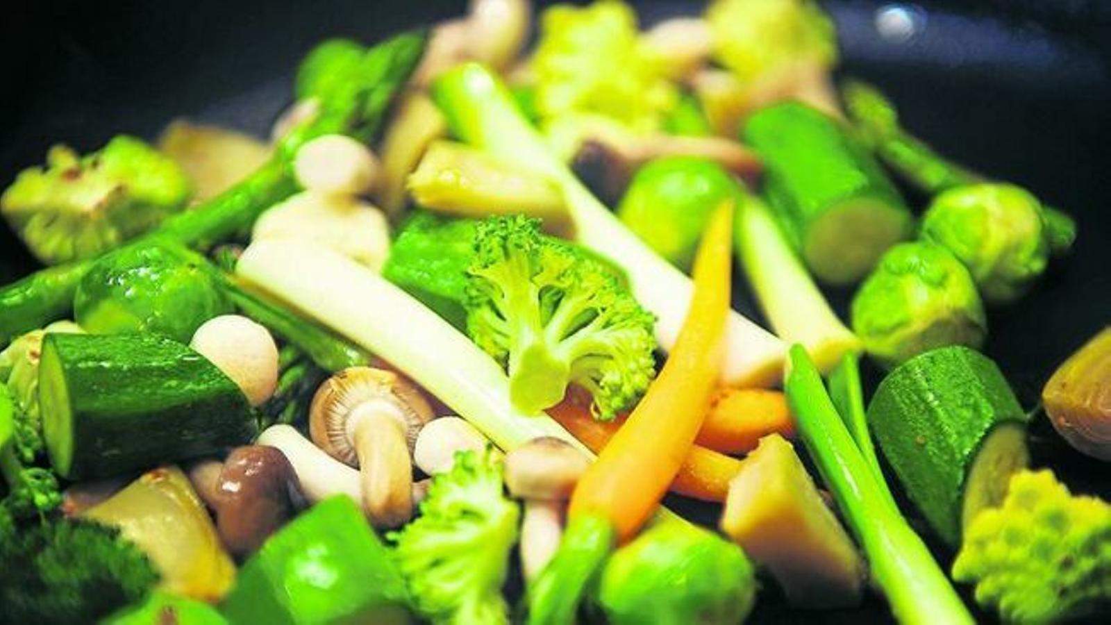 Les verdures, lluny dels calaixos de la nevera