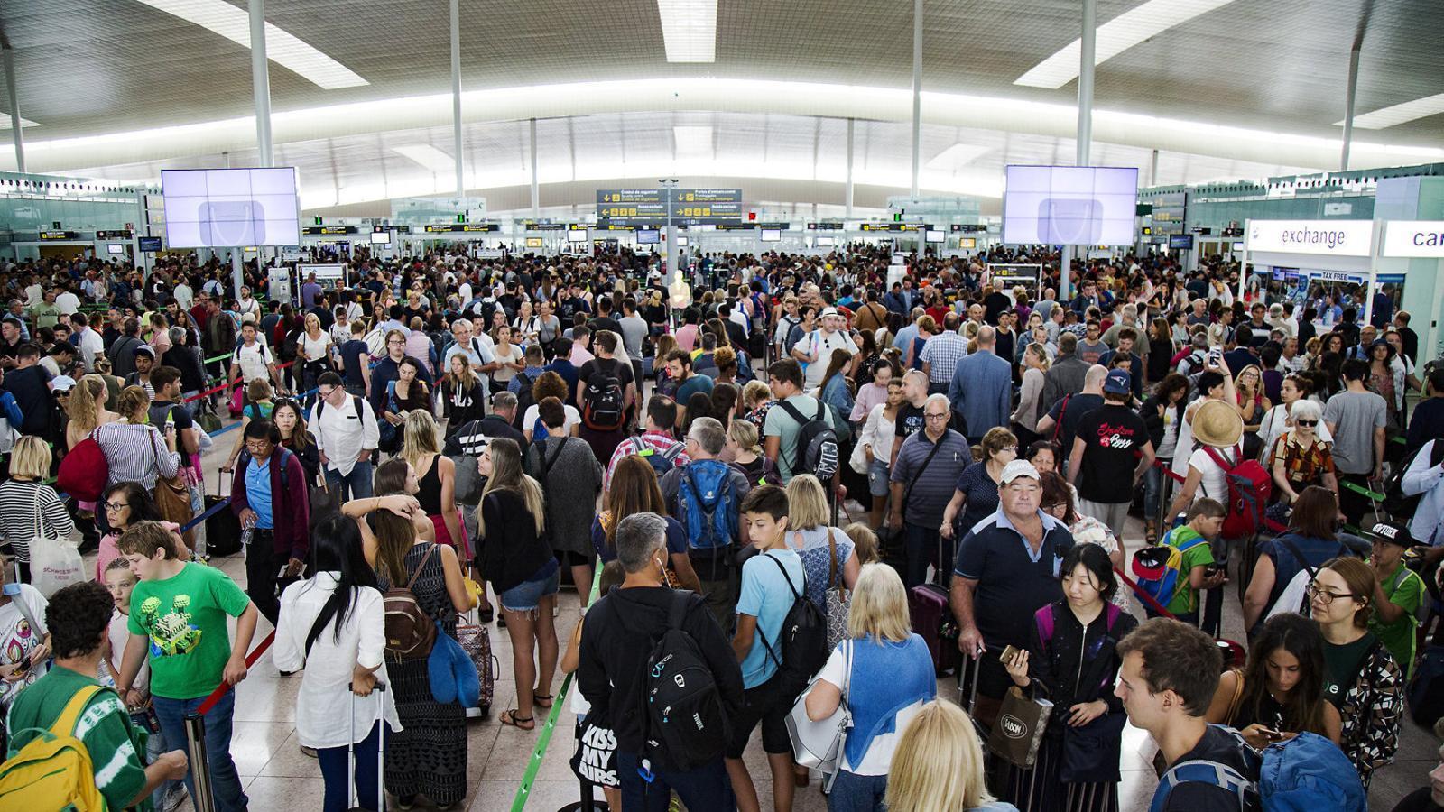 Ryanair eleva a 75.000 els afectats per les cancel·lacions a Espanya