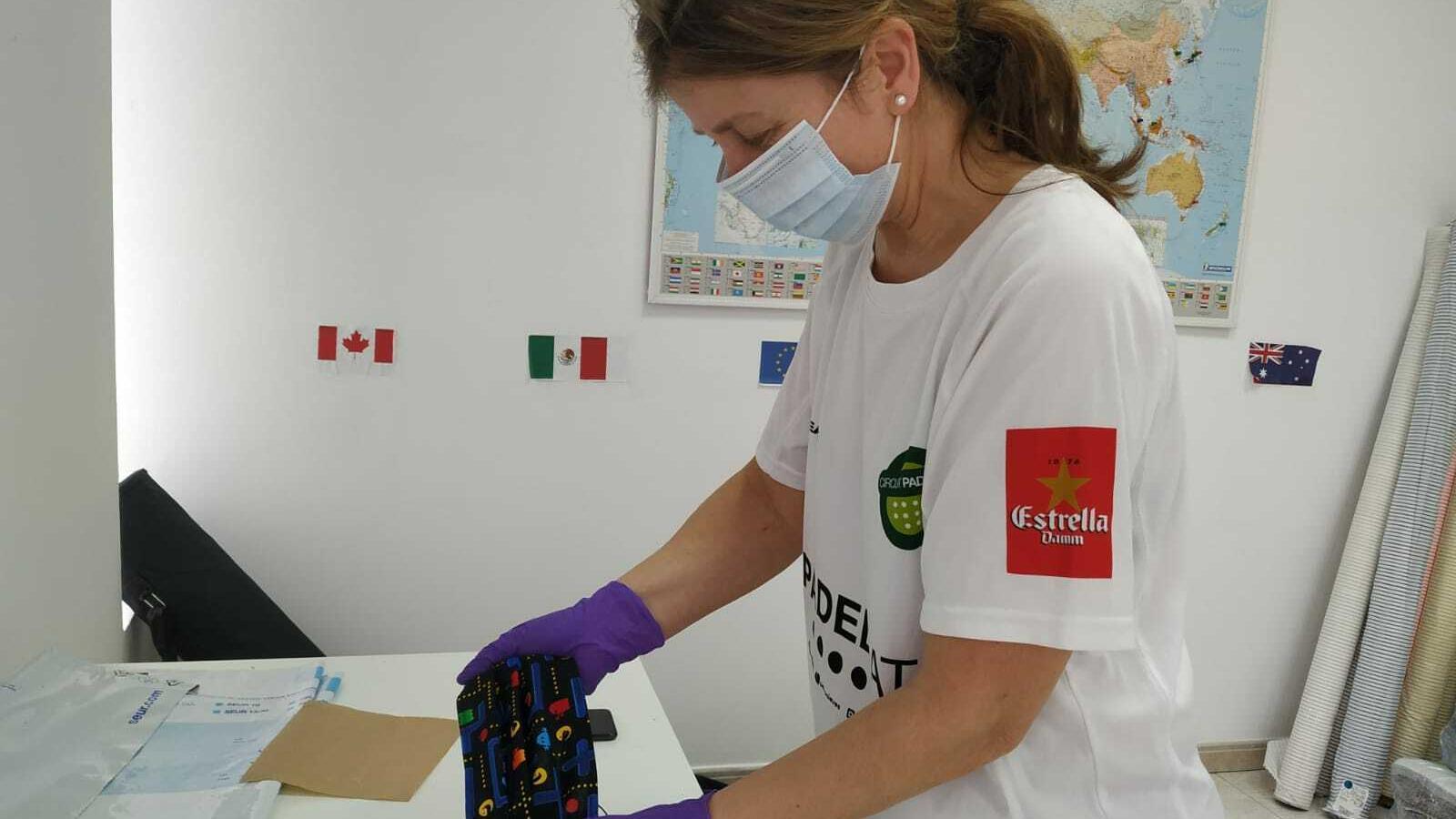 Imatge cedida per l'empresa Robin Hat que ha posat en marxa una iniciativa per reclutar voluntaris per cosir mascaretes per al personal sanitari de manera gratuïta