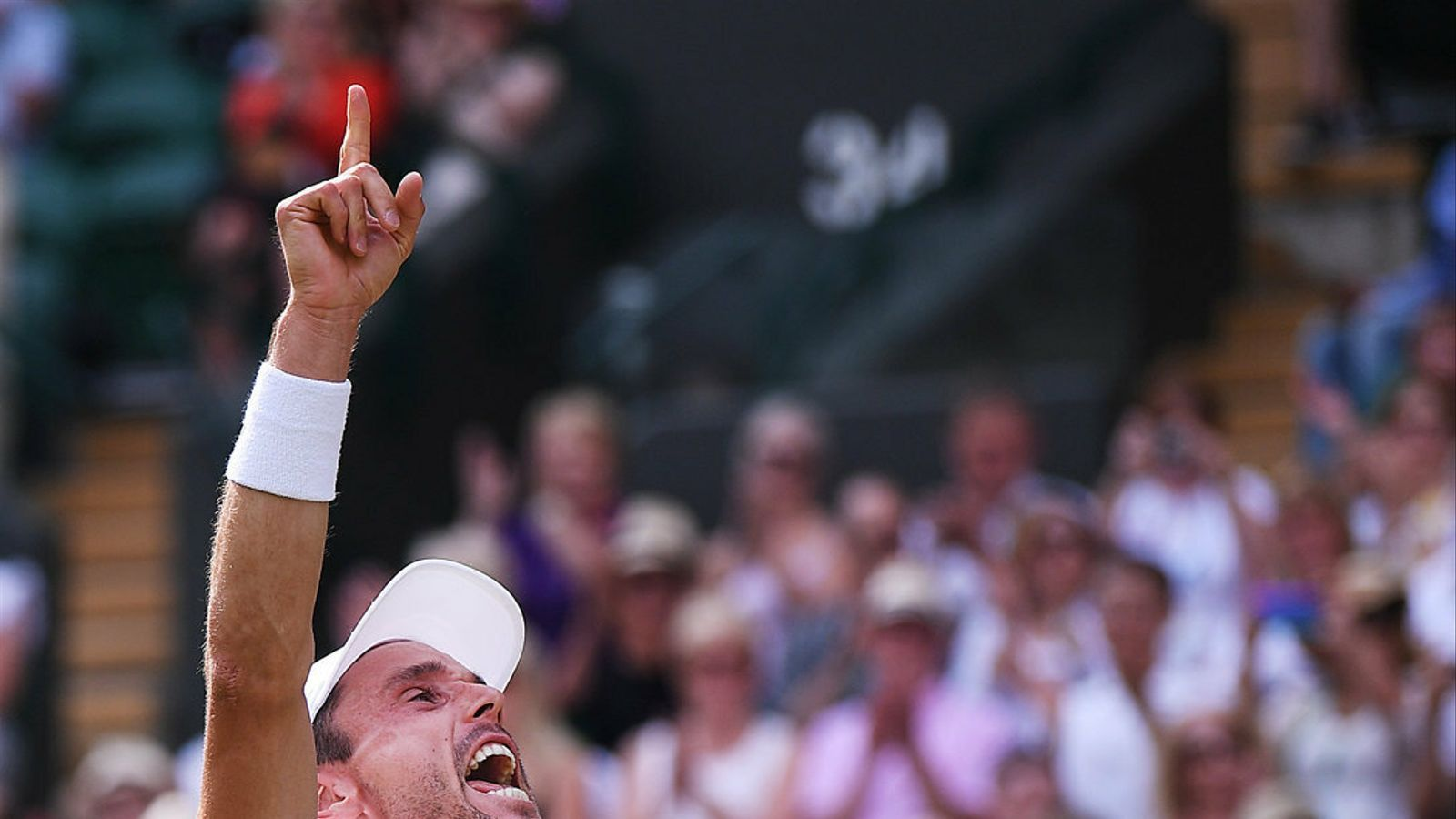 Roberto Bautista es cola a la festa dels favorits a Wimbledon