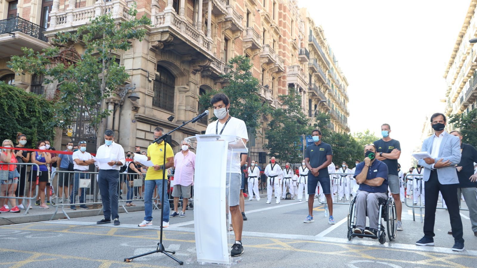 Gerard Esteva llegint el manifest