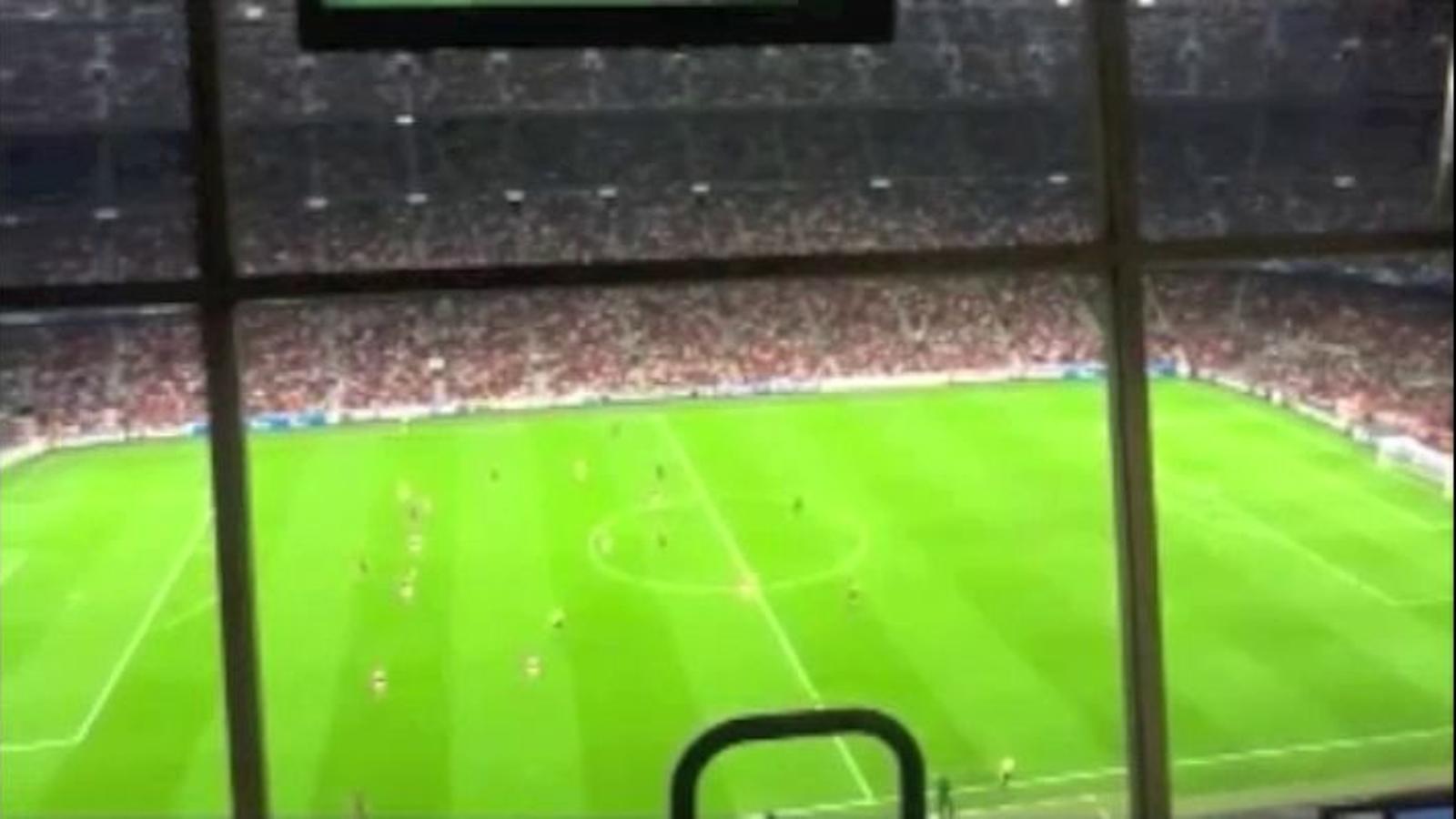 El Camp Nou crida In, inde, independència durant el Barça-Spartak