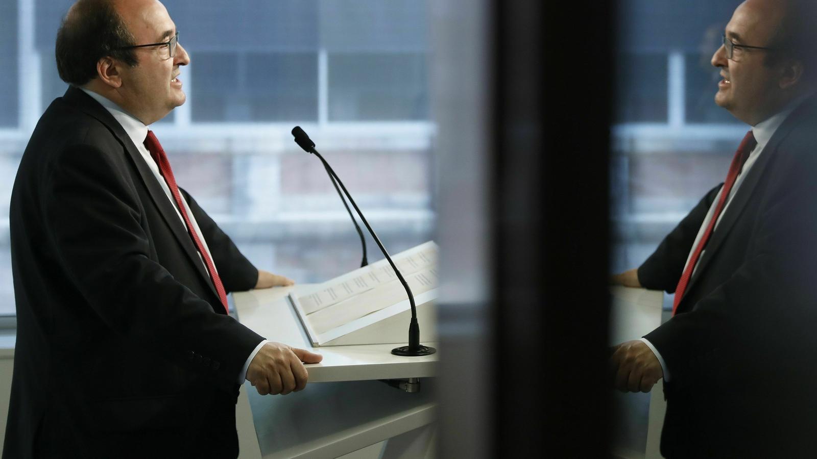 El PSOE i ERC s'allunyen del diàleg