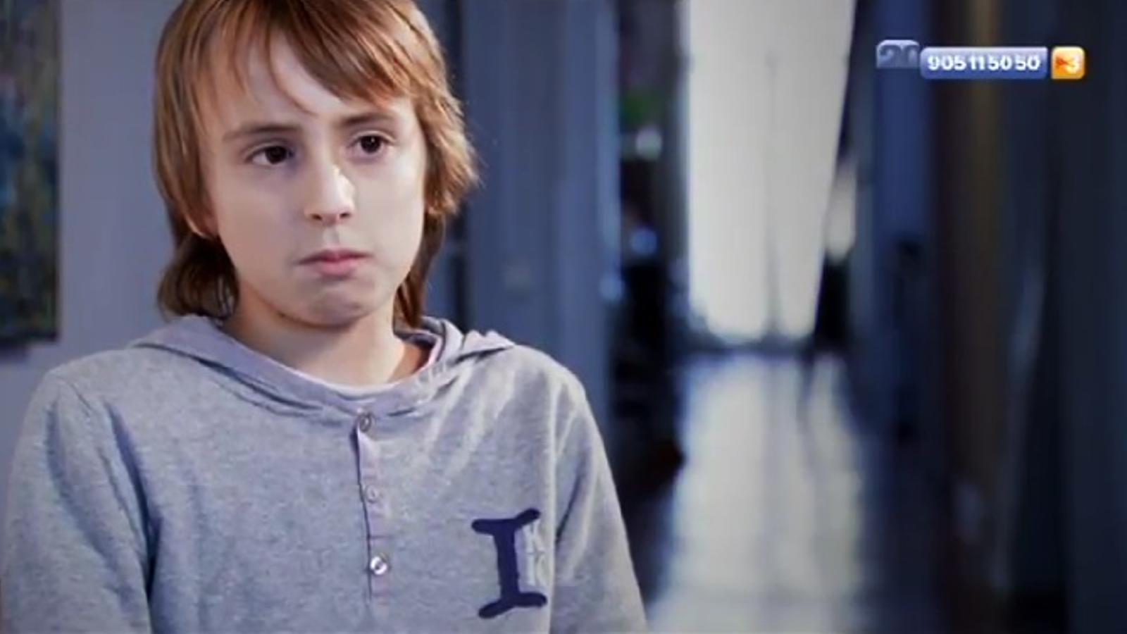 El Mateo Ibarra, de 12 anys, explica que va pensar que li tallarien una cama