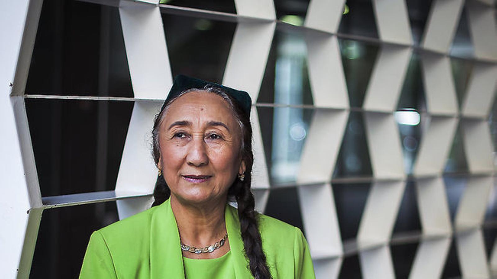 """""""Els pitjorts temps dels uigurs han arribat en l'era de Xi Jinping"""". Entrevista a Rebiyaa Kadeer, líder uigur a l'exili"""