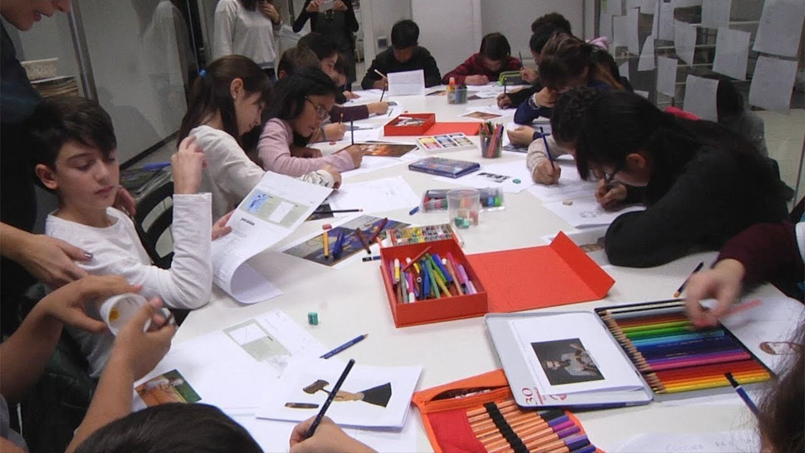 Així han dibuixat els nens i nenes l'ARA del Dia Internacional dels Drets dels Infants
