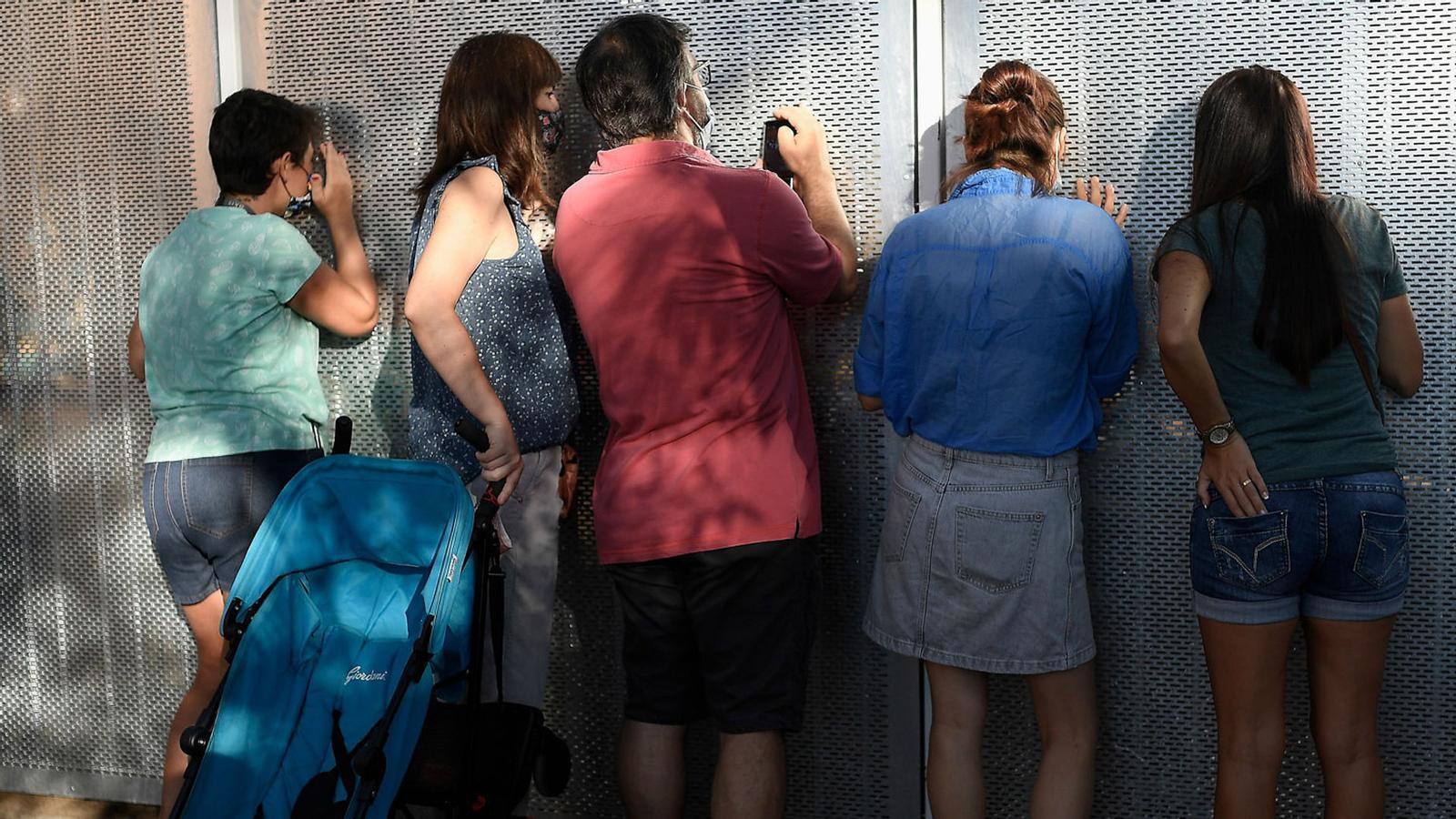 """Més il·lusió que por a les escoles, es continuarà dient CaixaBank i """"Europa és un «fake»"""" diu a l'ARA un refugiat a Lesbos: les claus del dia, amb Antoni Bassas (15/09/2020)"""