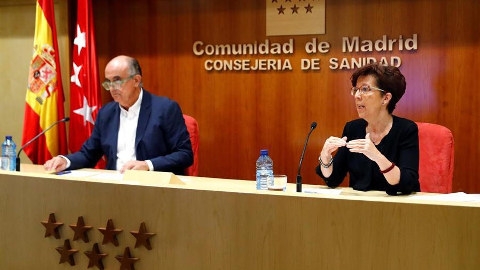 a directora general de Salut, Elena Andradas, i el viceconseller madrileny