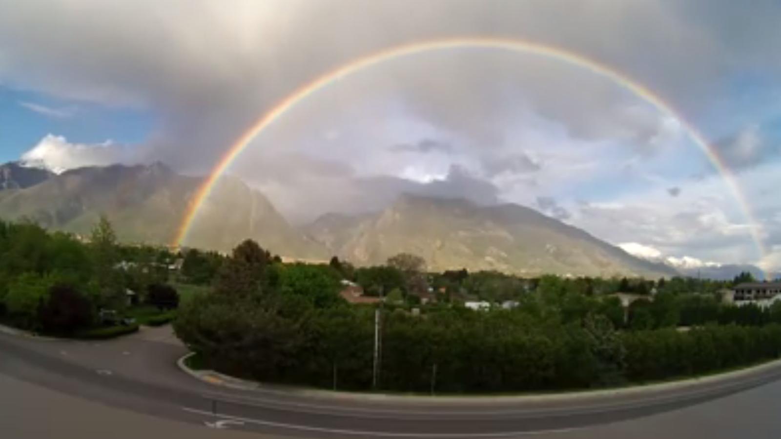 Espectacular 'time-lapse' d'un arc de Sant Martí doble gràcies a una càmera del temps