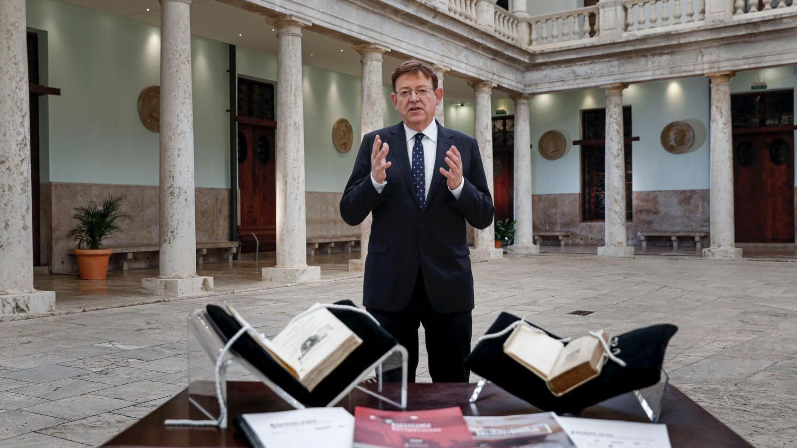 El cap del Consell, Ximo Puig, durant el seu discurs de Cap d'Any a la seu històrica de la Universitat de València