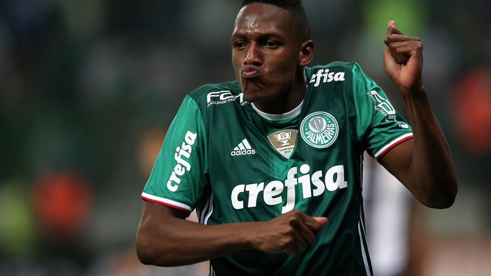 Yerry Mina celebrant un gol amb el Palmeiras.
