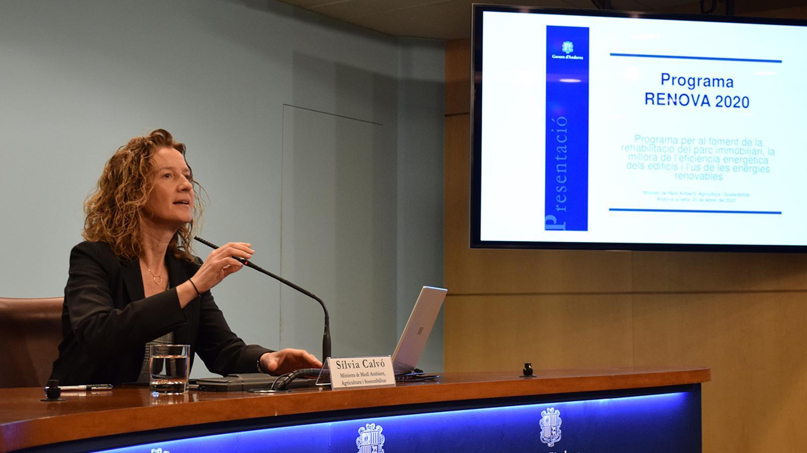 La ministra de Medi Ambient, Agricultura i Sostenibilitat, Sílvia Calvó, durant la presentació de les novetats i el balanç del programa Renova. / M. F. (ANA)