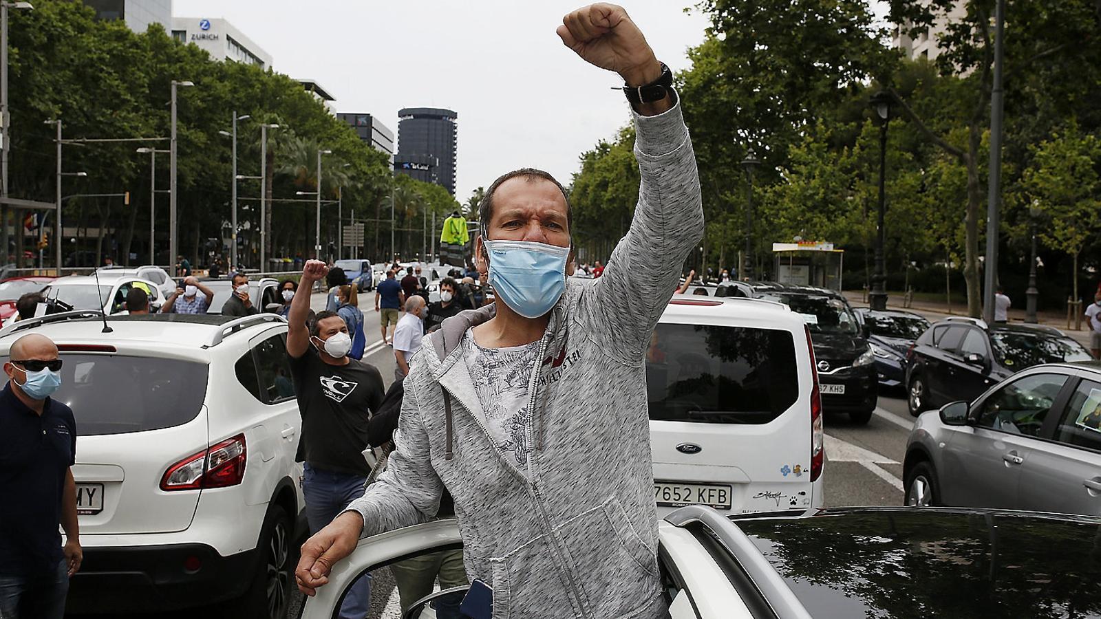 Els treballadors de Nissan han fet diverses protestes aquesta setmana pel tancament de plantes, entre les quals una marxa lenta de cotxes.