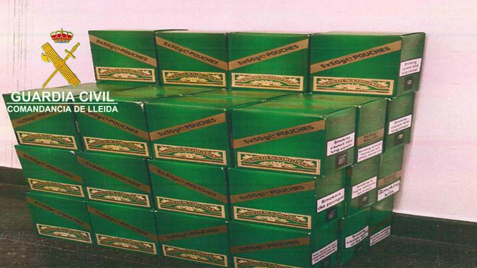 Els 10.000 grams de tabac picat confiscats per la Guàrdia Civil. / GUÀRDIA CIVIL