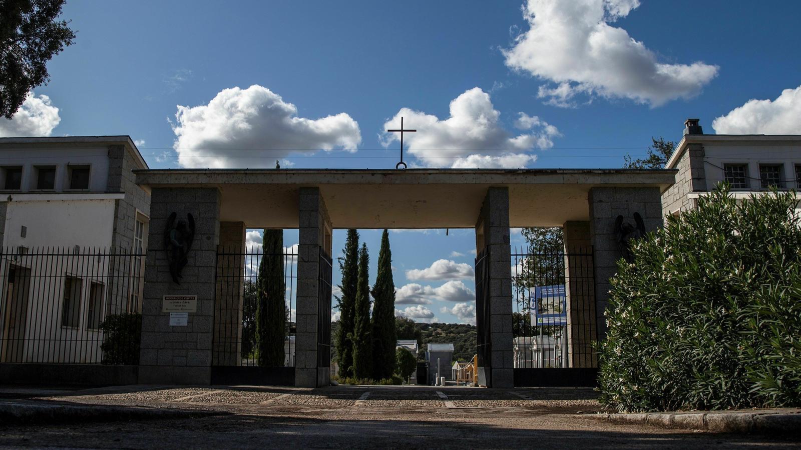 Les restes del dictador Francisco Franco seran traslladades aquest dijous al cementiri d'El Pardo-Mongorrubio, a Madrid.