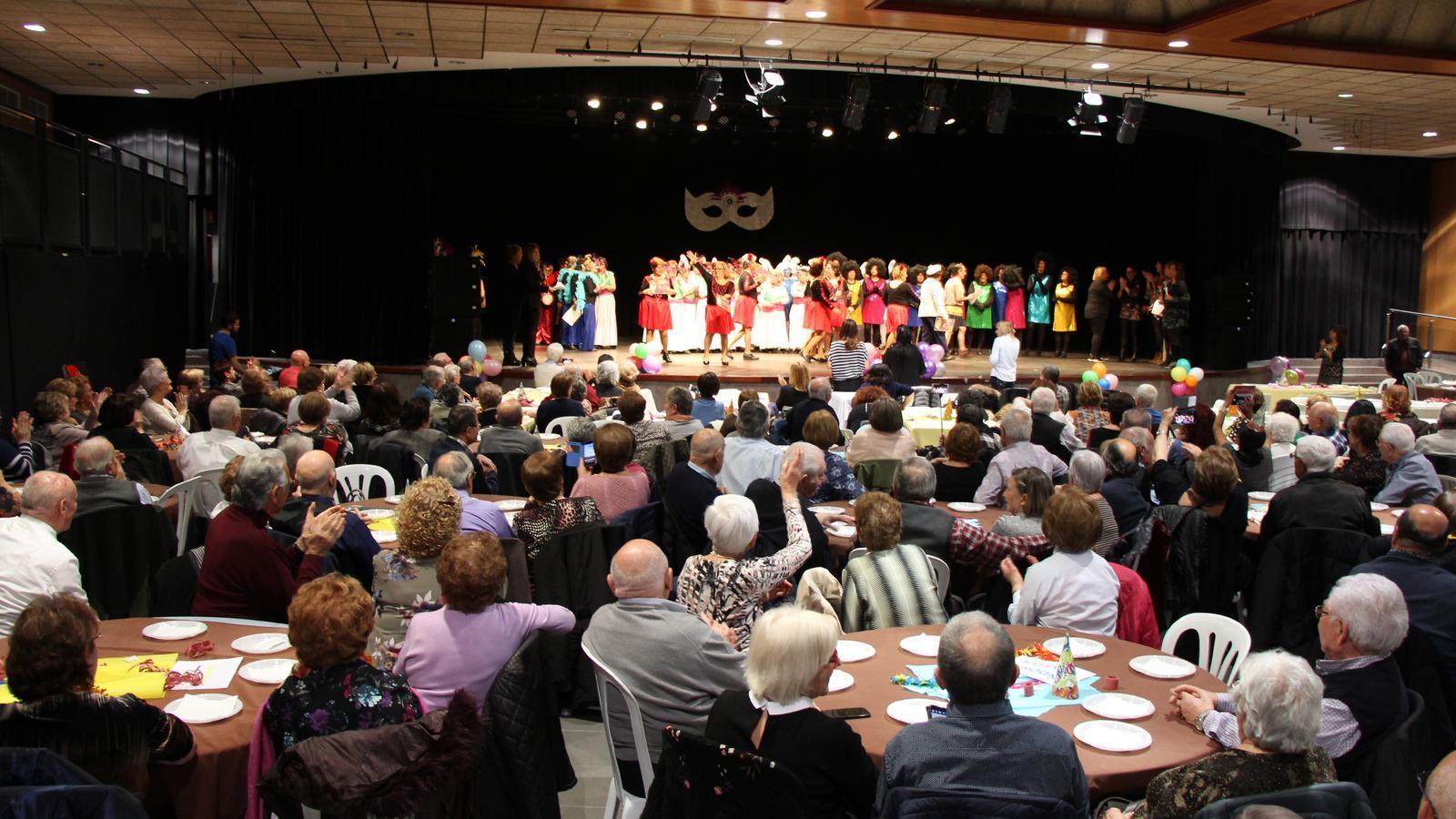 El concurs de disfresses del Carnaval interparroquial ha concentrat al voltant de 450 persones. / M. R. F.