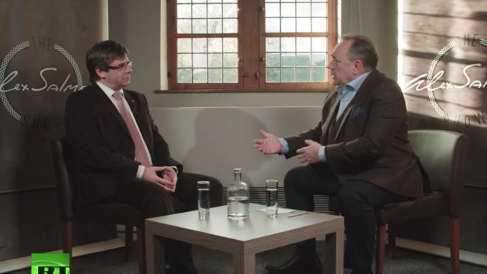 Alex Salmond entrevista Puigdemont a RT