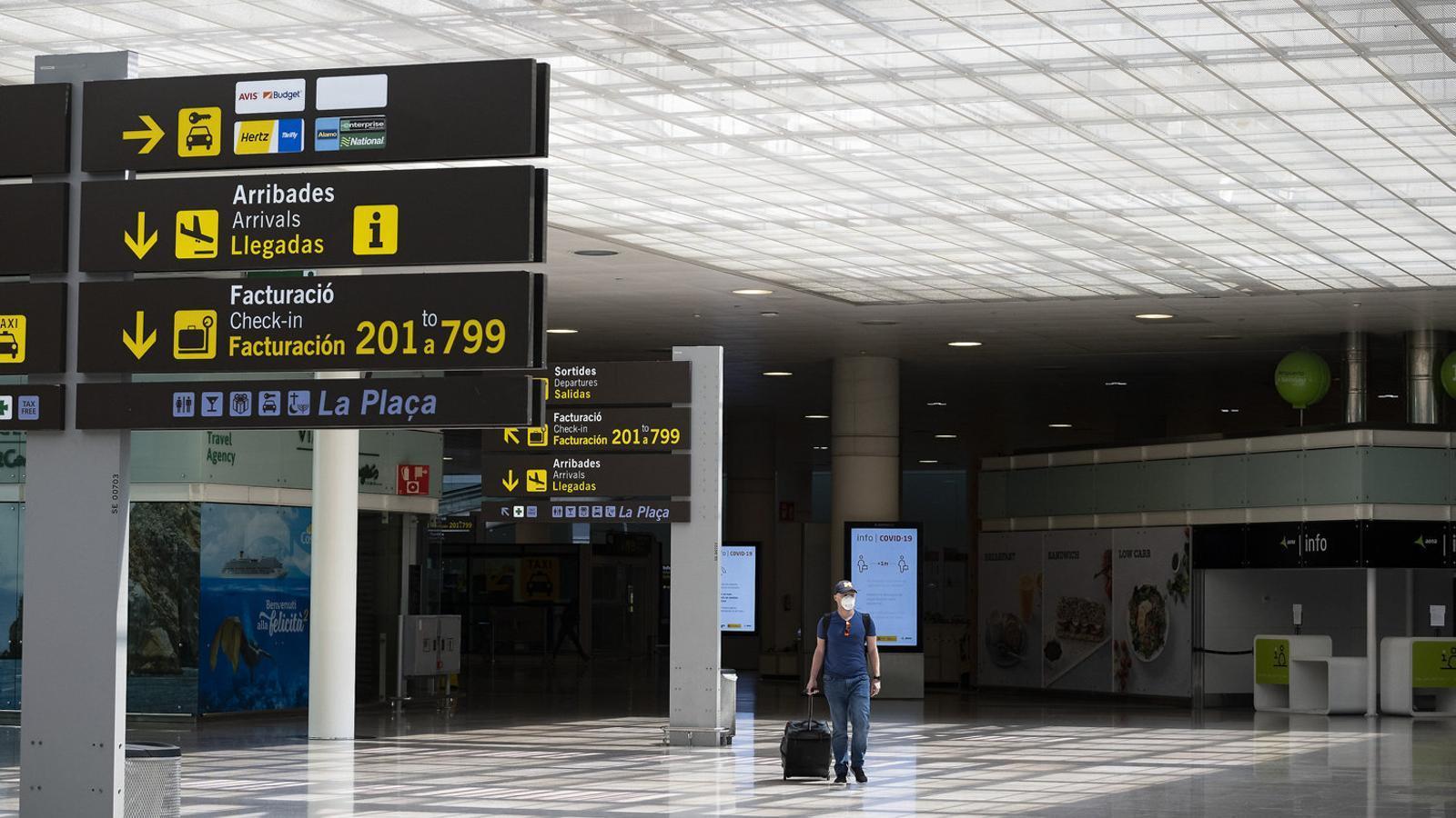 El Prat encapçala la caiguda interanual de passatgers a l'Estat