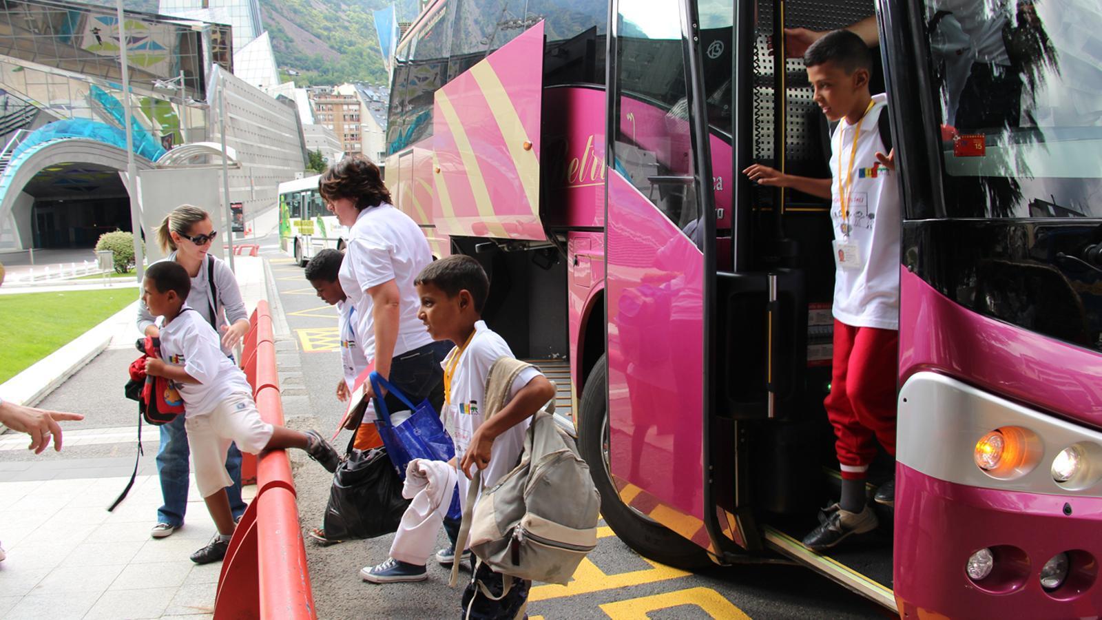 Arribada dels nens sahrauís a Andorra / N.M. (ANA)