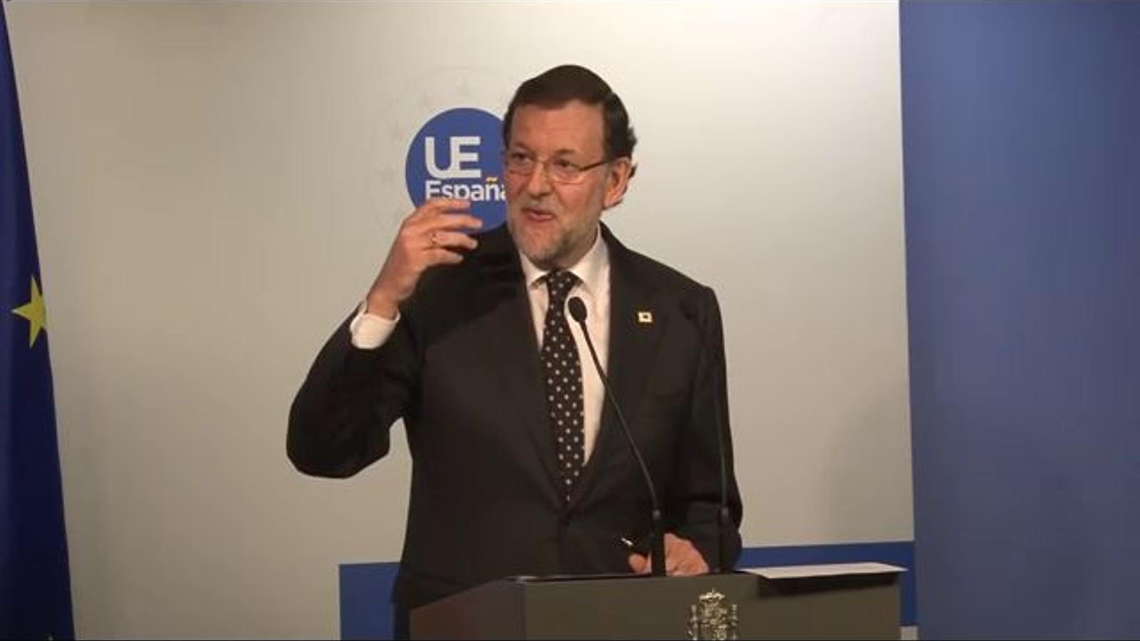 Rajoy: Això això és absolutament impropi de l'any 2011... any en què vivim... 14... lapsus, he, he, he