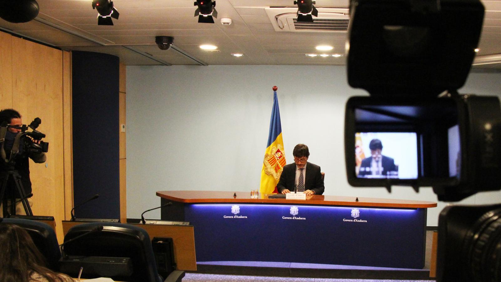 El ministre de Finances, Jordi Cinca, durant la roda de premsa posterior al consell de ministres. / B. N. (ANA)